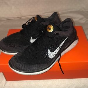 Nike free run fly knit shoes